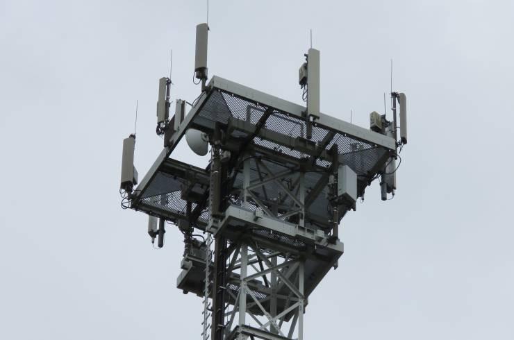 Las antenas 5G del Reino Unido están siendo incendiadas por conspiranóicos del coronavirus